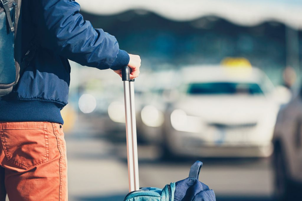 5 ways to get from the airport to Medellin