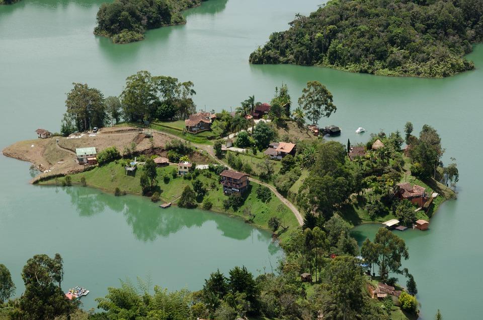Guatapé Lake